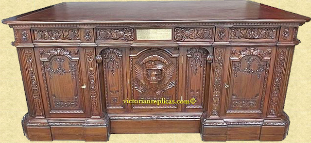 Replica of the Resolute Desk